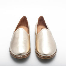 Load image into Gallery viewer, Charix Flats in Gold