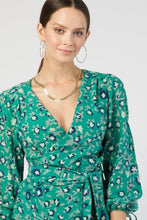 Load image into Gallery viewer, Wrap Top in Lily Print (Size L)