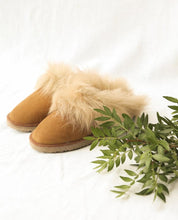 Load image into Gallery viewer, Sheepskin Slippers