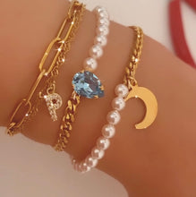Load image into Gallery viewer, Moon and Pearls Bracelet