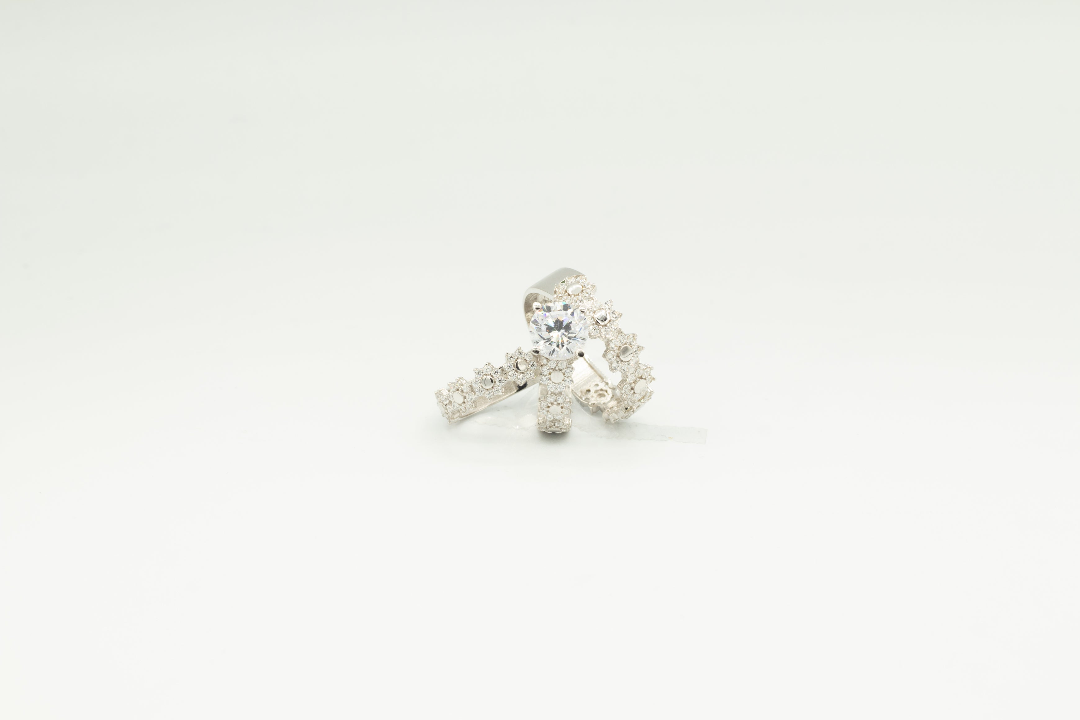 White Gold Flower Ring Set