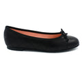 Women's black round toe flats