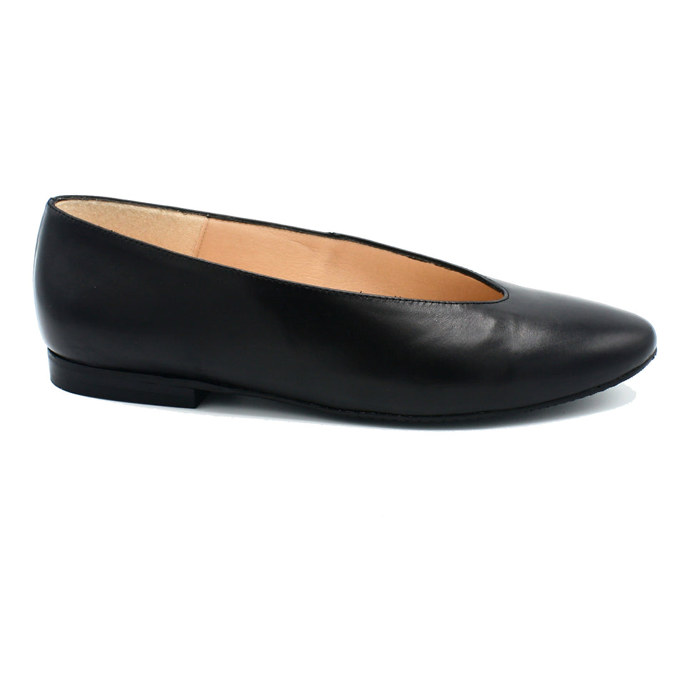 black patent pointed toe flats