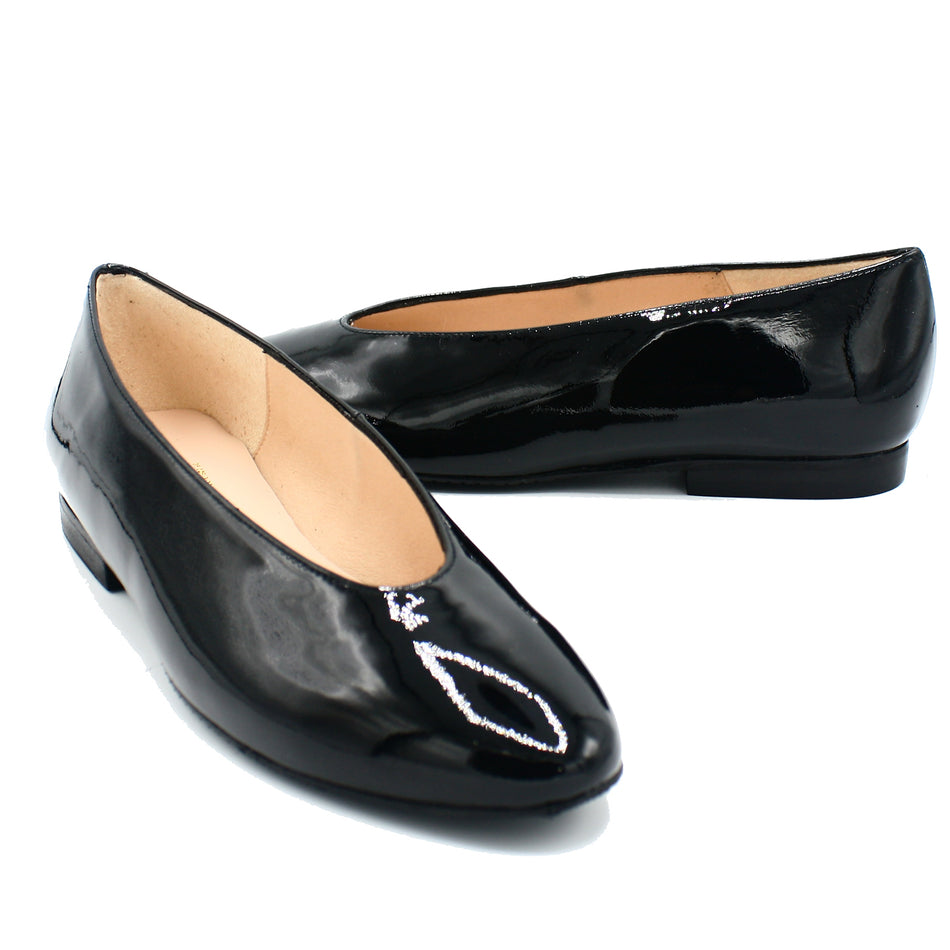 stylish shoes for women in black color