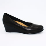 Trotters Pumps 6 / Black Trotters Winnie