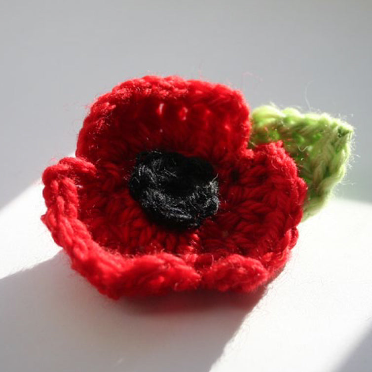 How to crochet your own poppy brooch