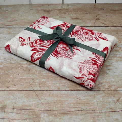 How to wrap presents in scarves