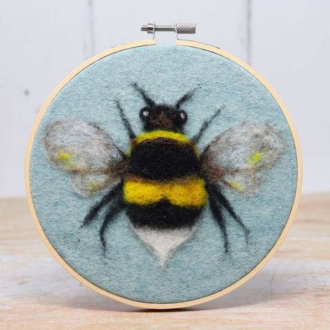 Crafty Kit Company Bee in a Hoop