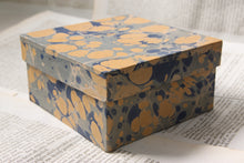 Load image into Gallery viewer, Rustic, marbled papier-mâché box - Medium - Various colours