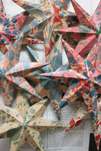 Load image into Gallery viewer, Marbled papier-mâché 7 point, 8 inch star
