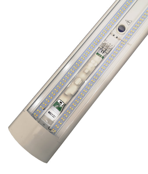 RAZORDMW: Interior LED Surface Mounted Dimmable Tri-CCT Battens (Wide)