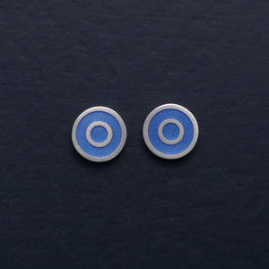 Small-flat-round-ear-studs-with-Lavender-coloured-enamel-in-the-centre