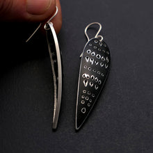 Load image into Gallery viewer, Cleo earrings, slender with point