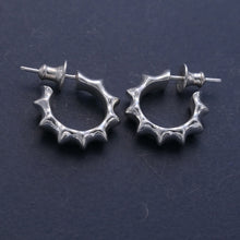 Load image into Gallery viewer, Bobbly silver earrings