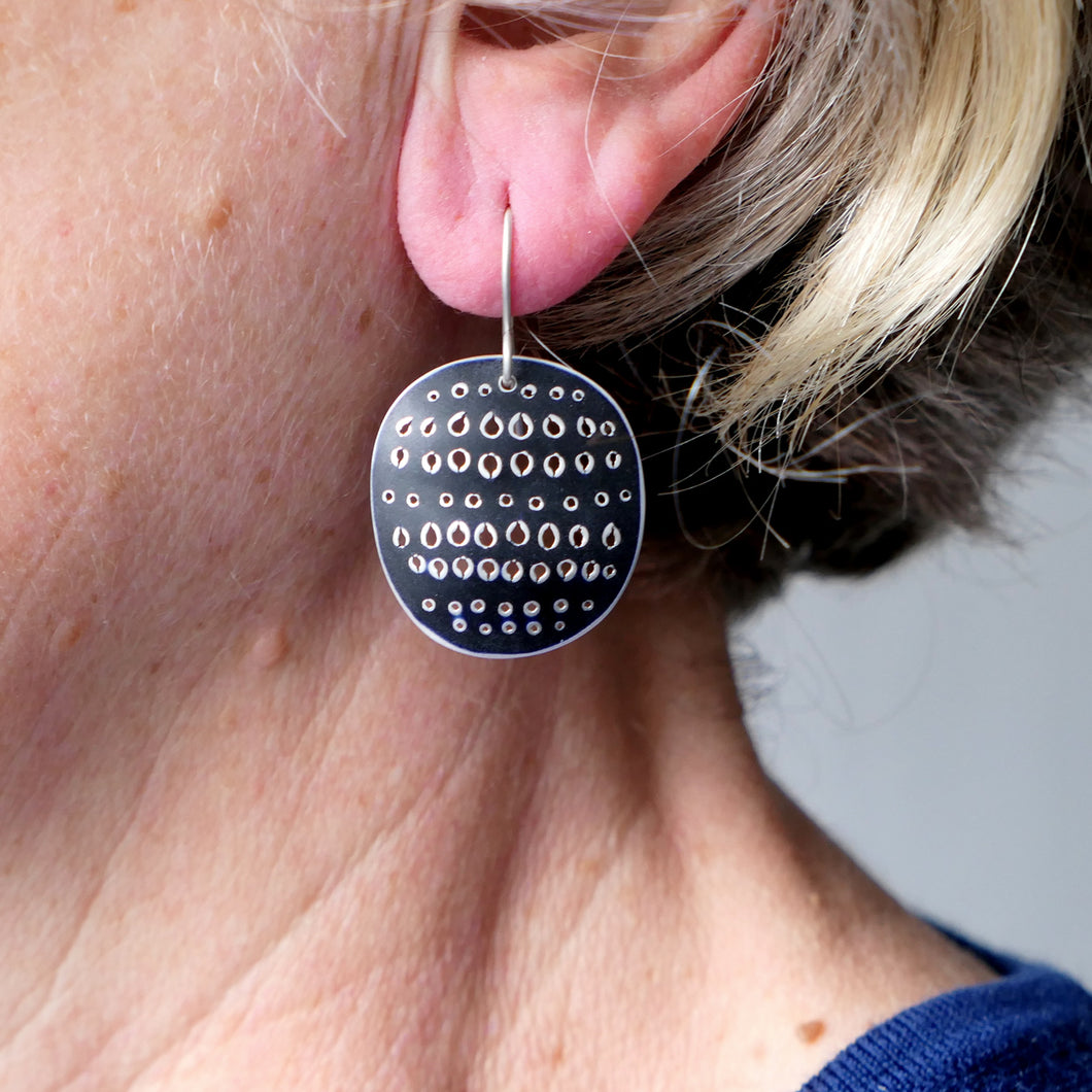 'Cleo' earrings Roundish