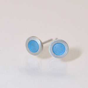 Small round silver flat ear studs, light blue turquoise