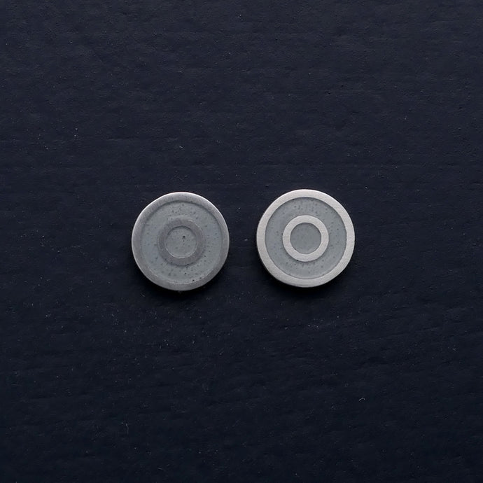 Small-flat-round-ear-studs-with-coloured-enamel-in-the-centre