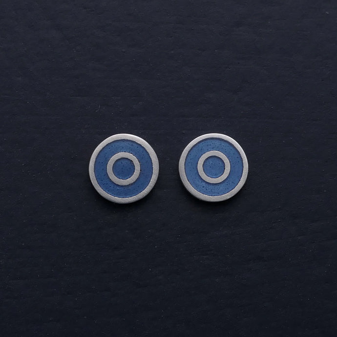 Small-flat-round-ear-studs-with grey-blue-coloured-enamel-in-the-centre