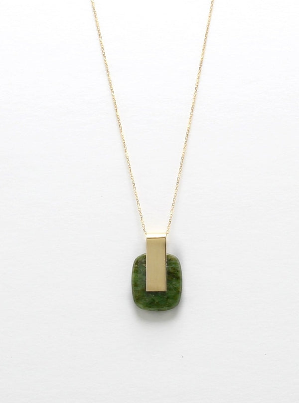 SOLA NECKLACE / JADE