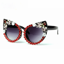 Load image into Gallery viewer, Luxury Floral Cat Eyes Sunglasses