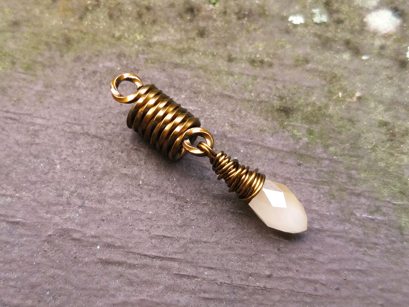 Champagne, Antique Brass Dread Bead