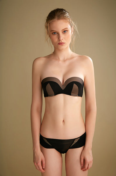 black strap strapless comfortable comfort sexy sensual bra hook secretsaffair