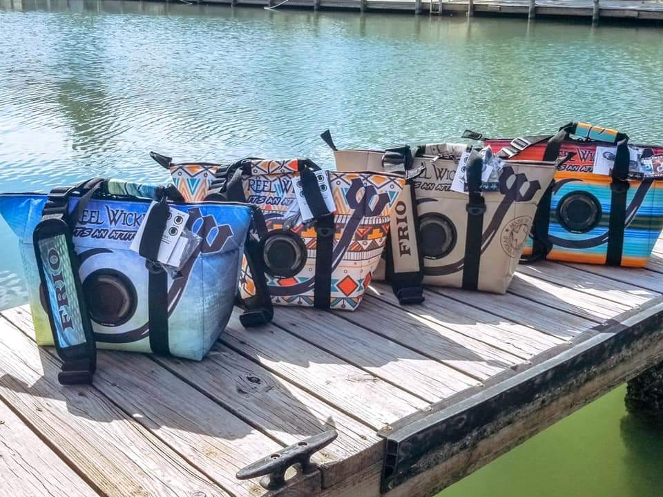 Bag cooler w/bluetooth speaker
