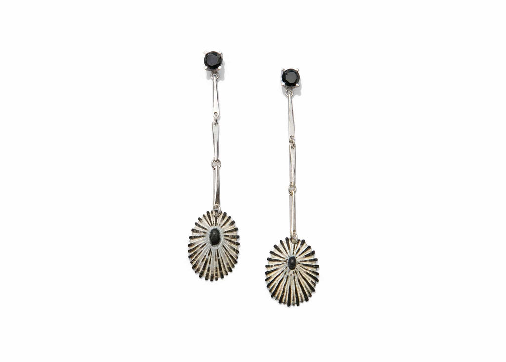 hammered sterling silver linked earrings with black spinel stones and striped opihi shells