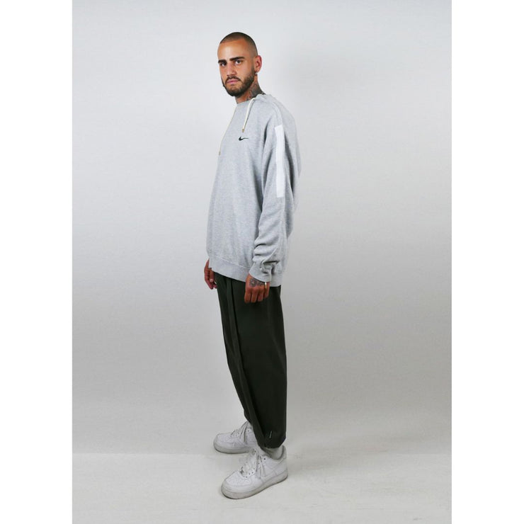 Sweater Line - TRILL Marketplace