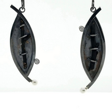 Load image into Gallery viewer, Black Coral Earrings