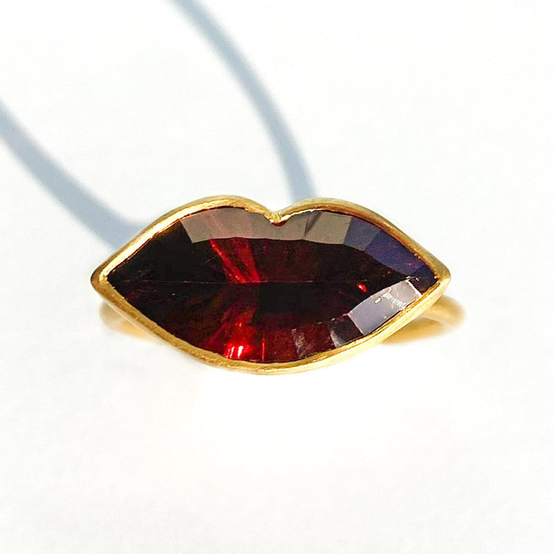 Garnet Tender Kiss Ring