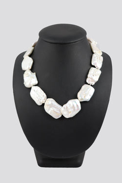 P51 Pearl Necklace Baroque