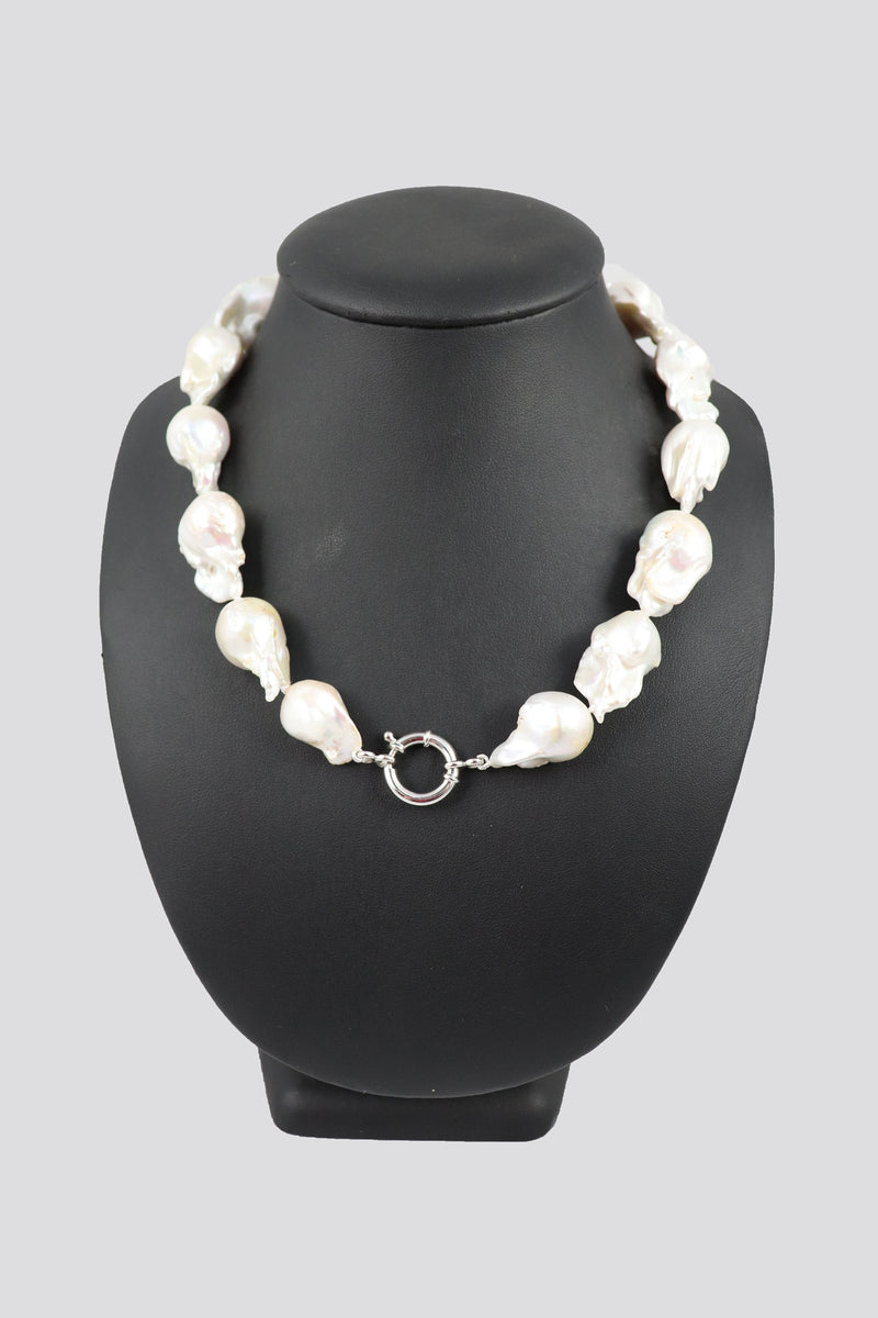 P57 Pearl Necklace Cream Baroque