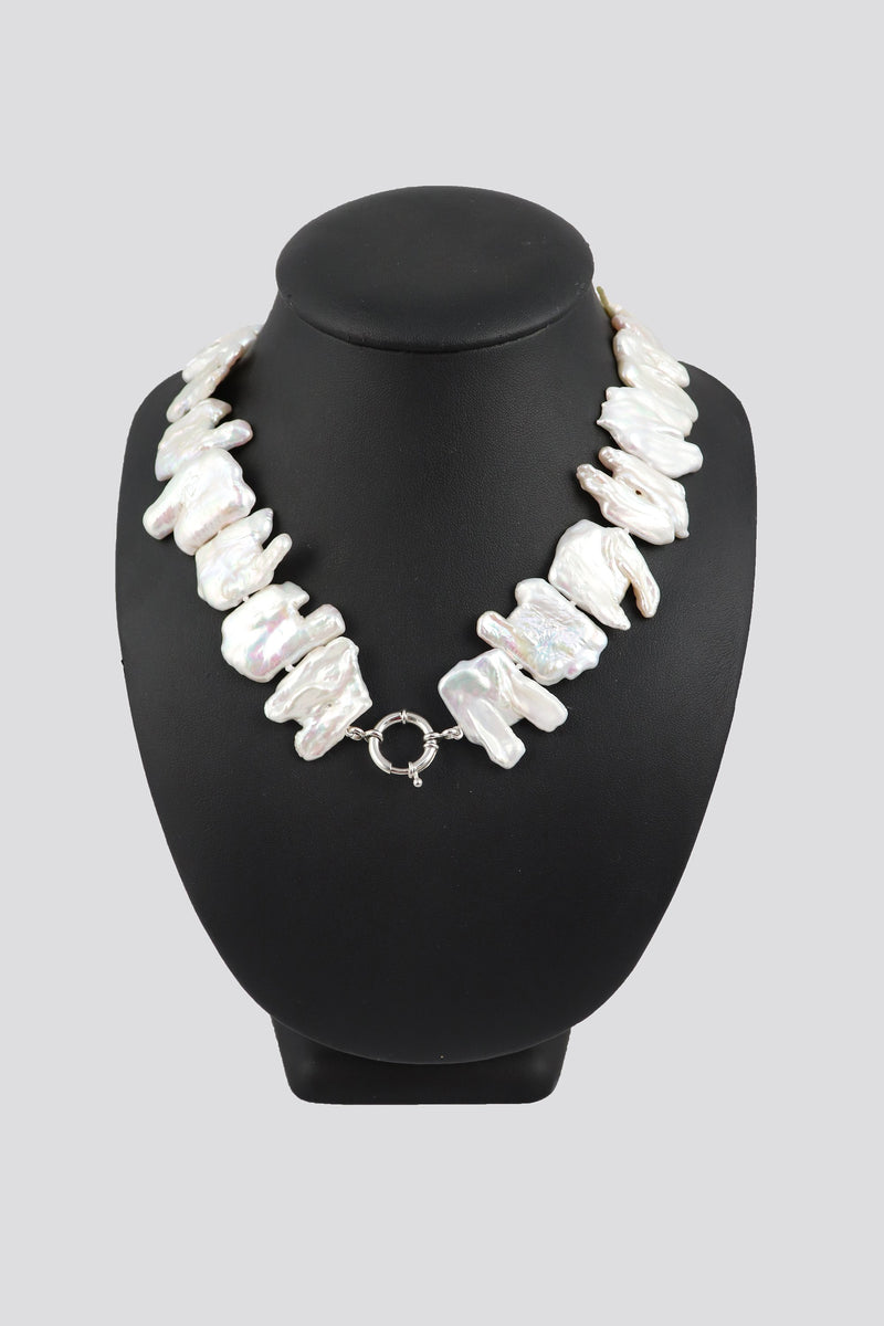 P63 Pearl Necklace Baroque Leaf