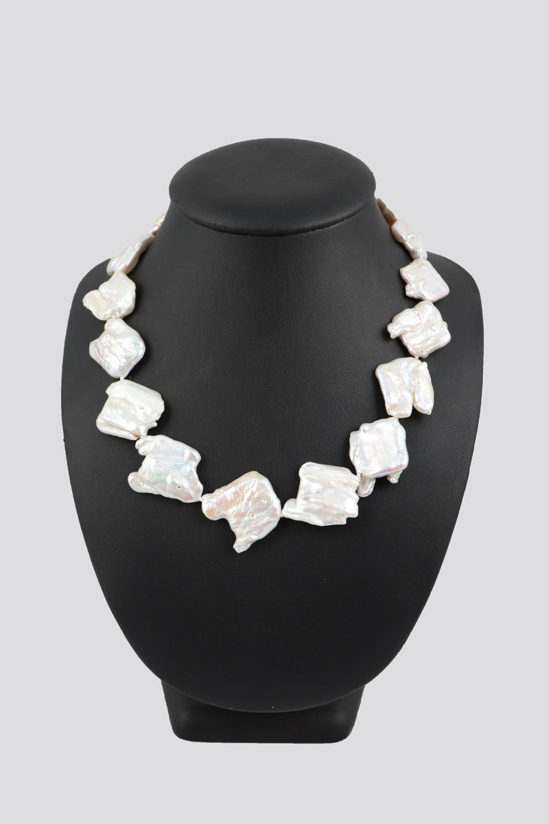 P69 Pearl Necklace Square Baroque