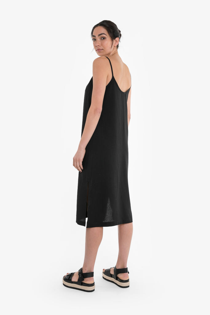 Classic slip dress in a black linen blend
