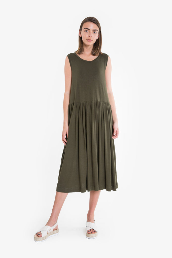 A sleeveless summer dress in khaki jersey