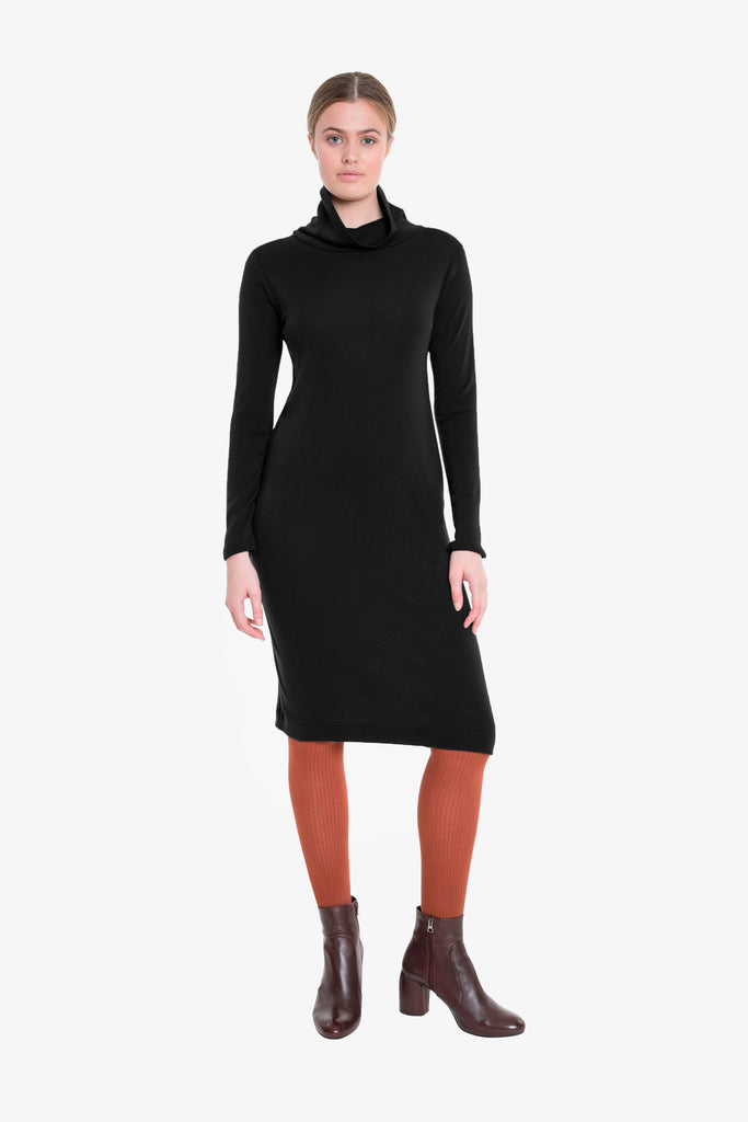 Merino Traveller Turtleneck Dress W/18