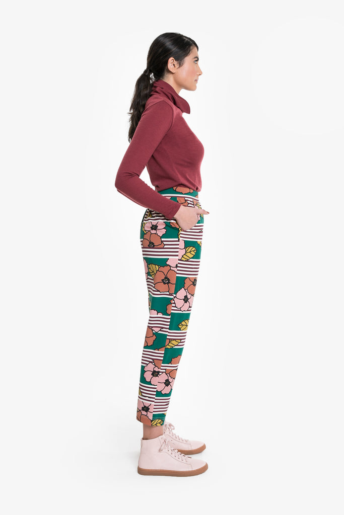 A relaxed, track-style pant in a signature Obus large floral print
