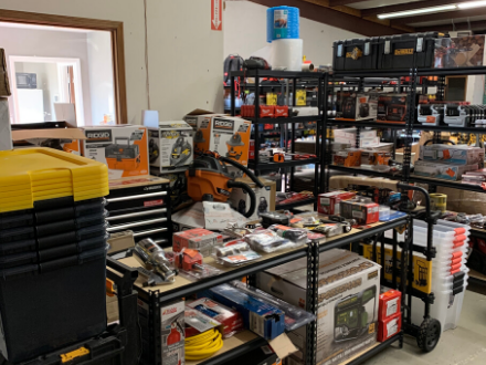 Extra Mile Tools buys used tools wholesale in bulk and passes the great prices on tool deals on to you!