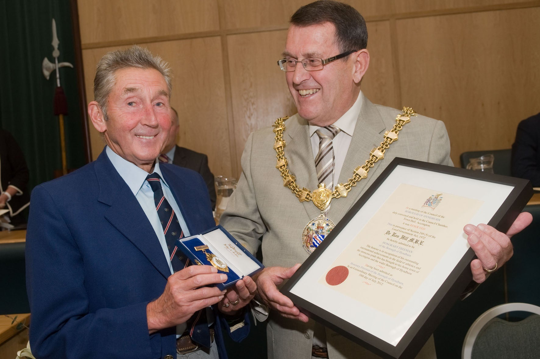 Ron Hill MBE becomes a Freeman of the Borough of Hyndburn