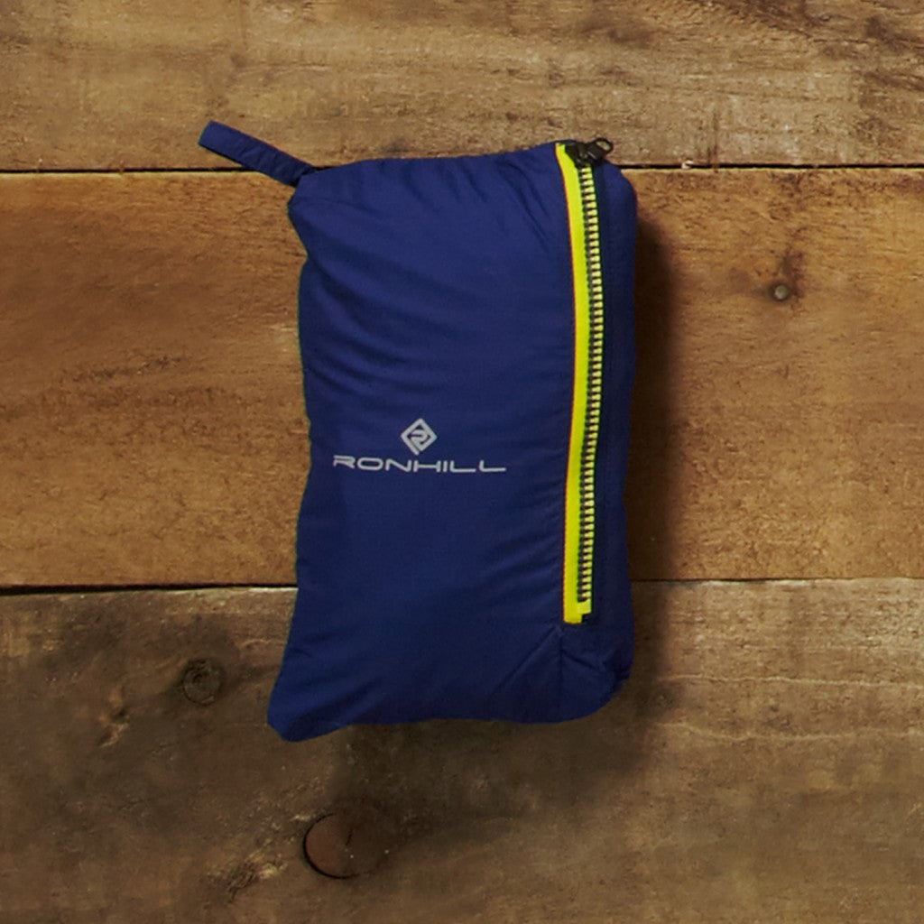 The pack-it-system: self packable into the front zip pocket