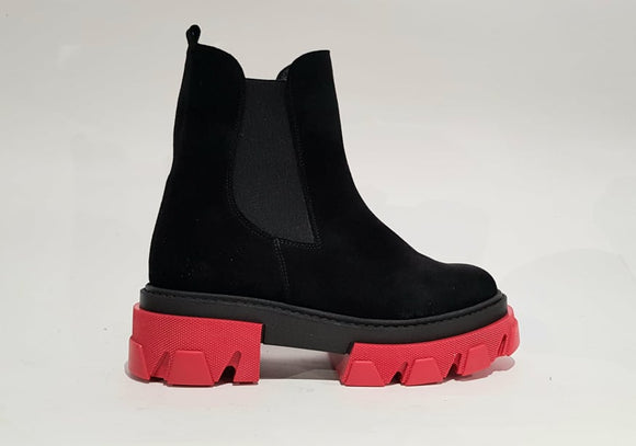BEATLES ILA SUEDE BLACK/RED
