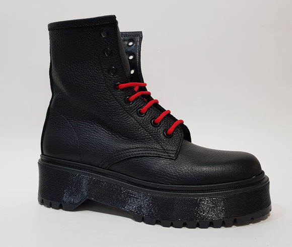JD MARTENS BLACK