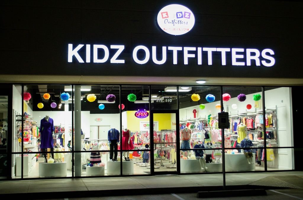 Kidz Outfitters  Night View - www.kidzoutfitters.com