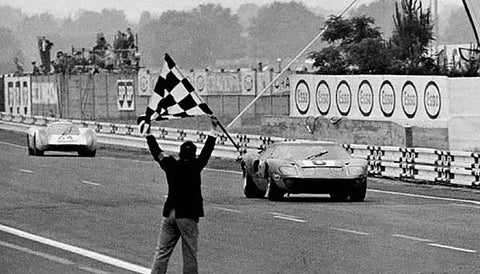 Ford-GT40-Le-Mans