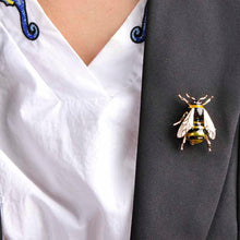 Load image into Gallery viewer, Enamel Bee Pin