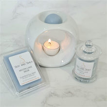 Load image into Gallery viewer, Moon Lake Musk Soy Candle