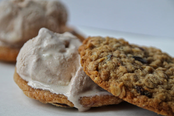 Cinnamon Ice Cream and Oatmeal Cookie