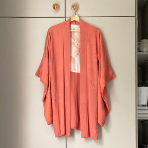 Vintage blush pink kimono with scattered circular floral pattern